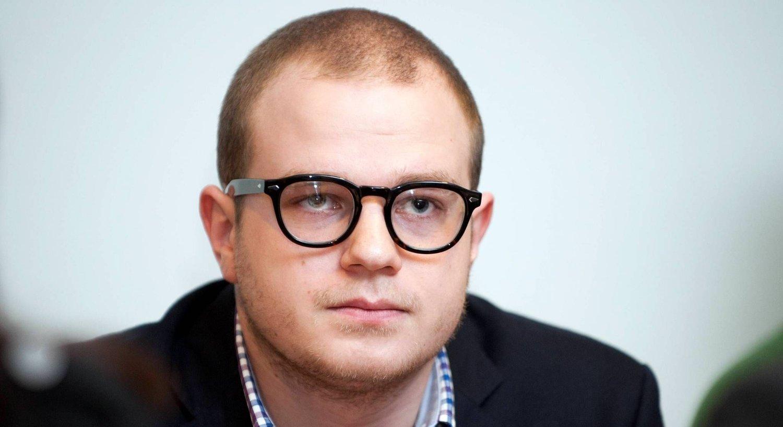 TØFF UKE: Erik Skutle sier det har vært en tøff uke etter at han ble siktet for hasjrøyking. Nå vender han tilbake til Stortinget der han er varamann for Erna Solberg.