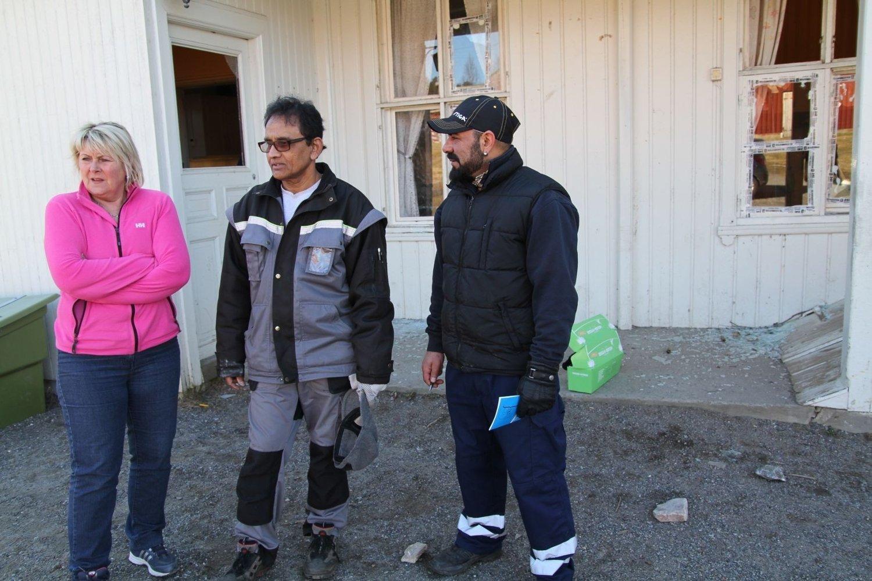 AKS-leder Monica Lunden og vaktmesterne Rajah Nadarajah og Bahram Jordan Brown er sinte etter vandaler ramponerte AKS.