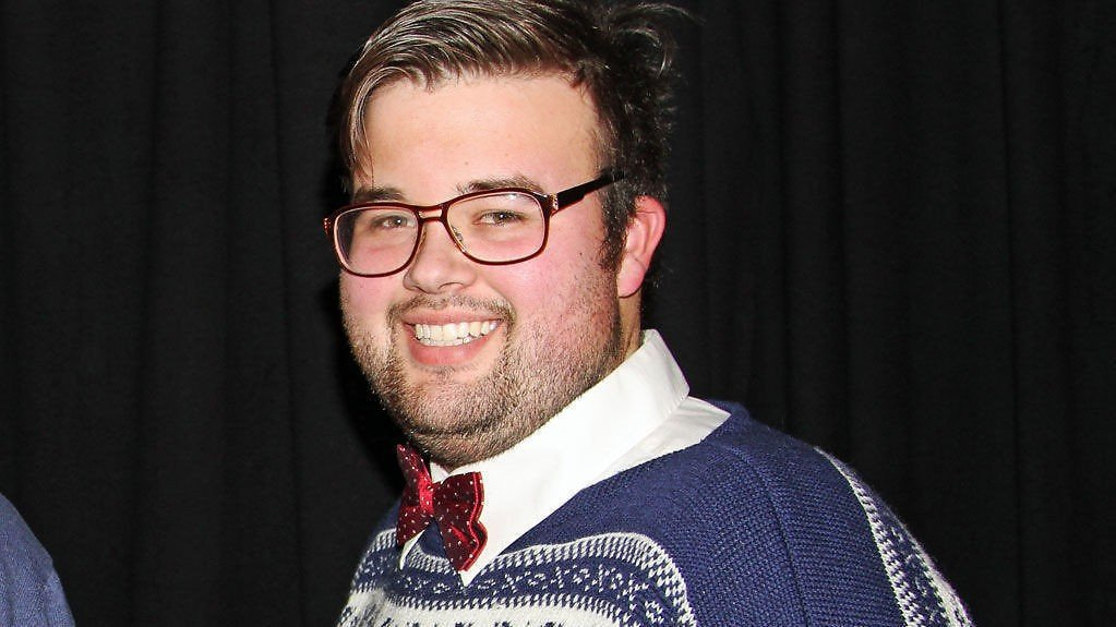 Jørgen Foss mener at sykelig overvektige bør få bruke handikap-plassene.