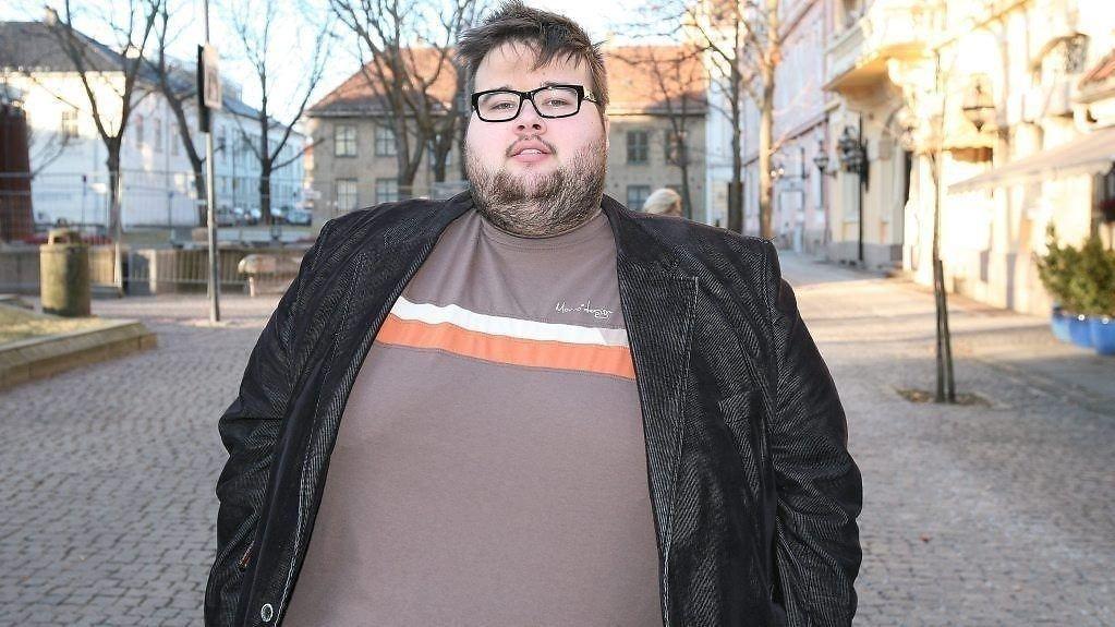 Lederen for Landsforeningen for overvektige, Jørgen Foss, mener sykelig overvekt kan være et rimelig grunnlag for å bruke handikapparkering.