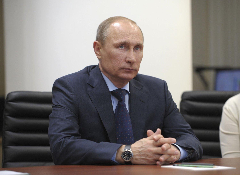 VIKTIG TALE: Tirsdag morgen orienterte den russiske presidenten formelt nasjonalforsamlingen om Krims søknad om å få bli en del av Russland.