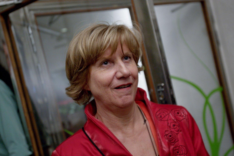 Tidligere LO-leder Gerd-Liv Valla mener Ap og SV unødvendig pisker opp stemningen i debatten om reservasjonsretten.