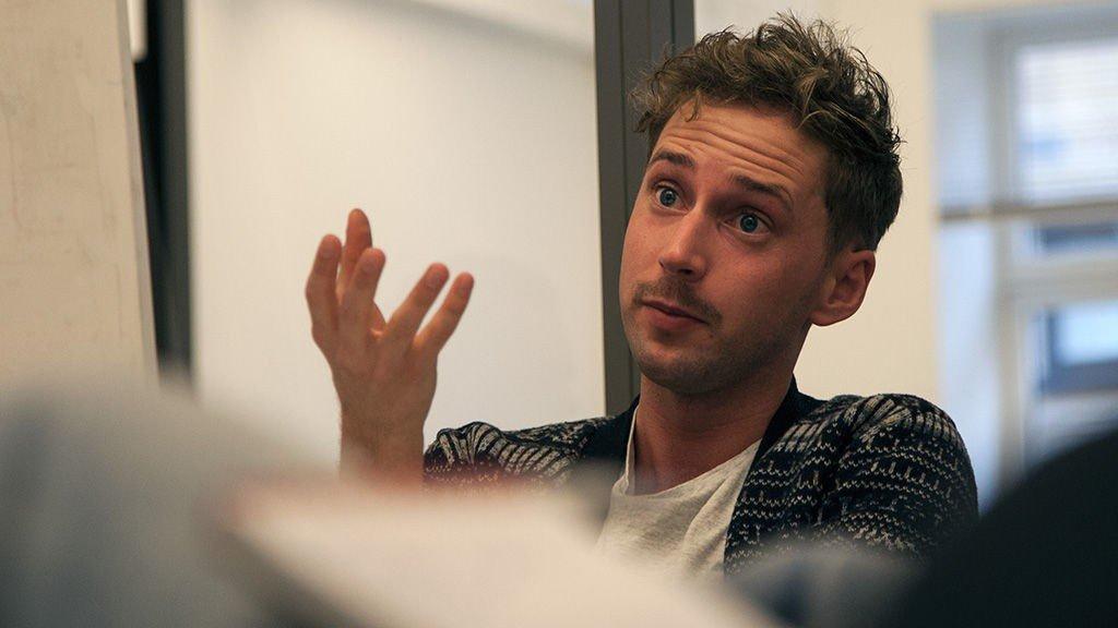 Unge Høyre må lete etter en ny leder etter at dagens leder, Paul Joakim Sandøy, melder at han gir seg.
