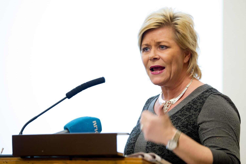 Finansminister Siv Jensen reagerer på Snorre Valens skatteregning.