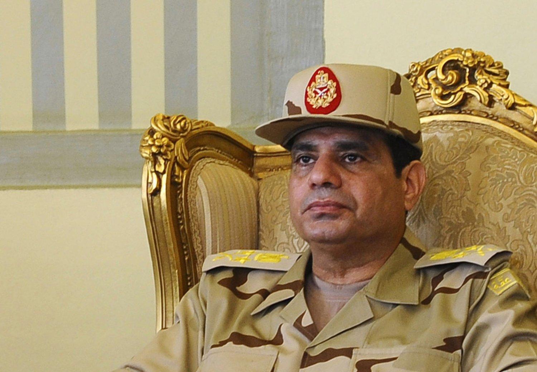 Forsvarssjef Abdel Fattah al-Sisi stiller som presidentkandidat i Egypt.
