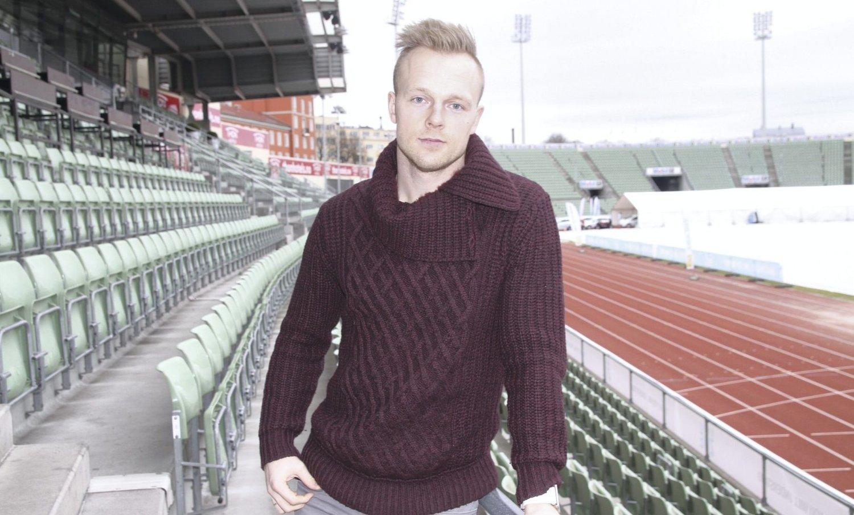 MED HJERTE FOR LYN: Kim Kristian Holmen ser med glede på entusiasmen som er i Lyn nå, og vurderer nå etter et helt år med fri fra alt som har med fotball å gjøre, å komme tilbake til klubben som nå har fått Bislett stadion som hjemmebane.