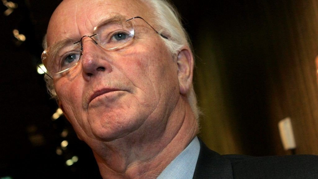 Tidligere utenriksminister Thorvald Stoltenberg får skryt i hittil hemmeligholdt rapport fra CIA.