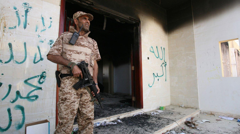 STYRTE VÅPENSTRØM: Det amerikanske konsulatet i Benghazi, som ble angrepet i september 2012, skal ha hatt som eneste oppgave å skjule våpenstrømmen som USA styrte inn til opprørerne i Syria. Operasjonen ble omtalt i et hemmelig tillegg i rapporten om konsulatangrepet.