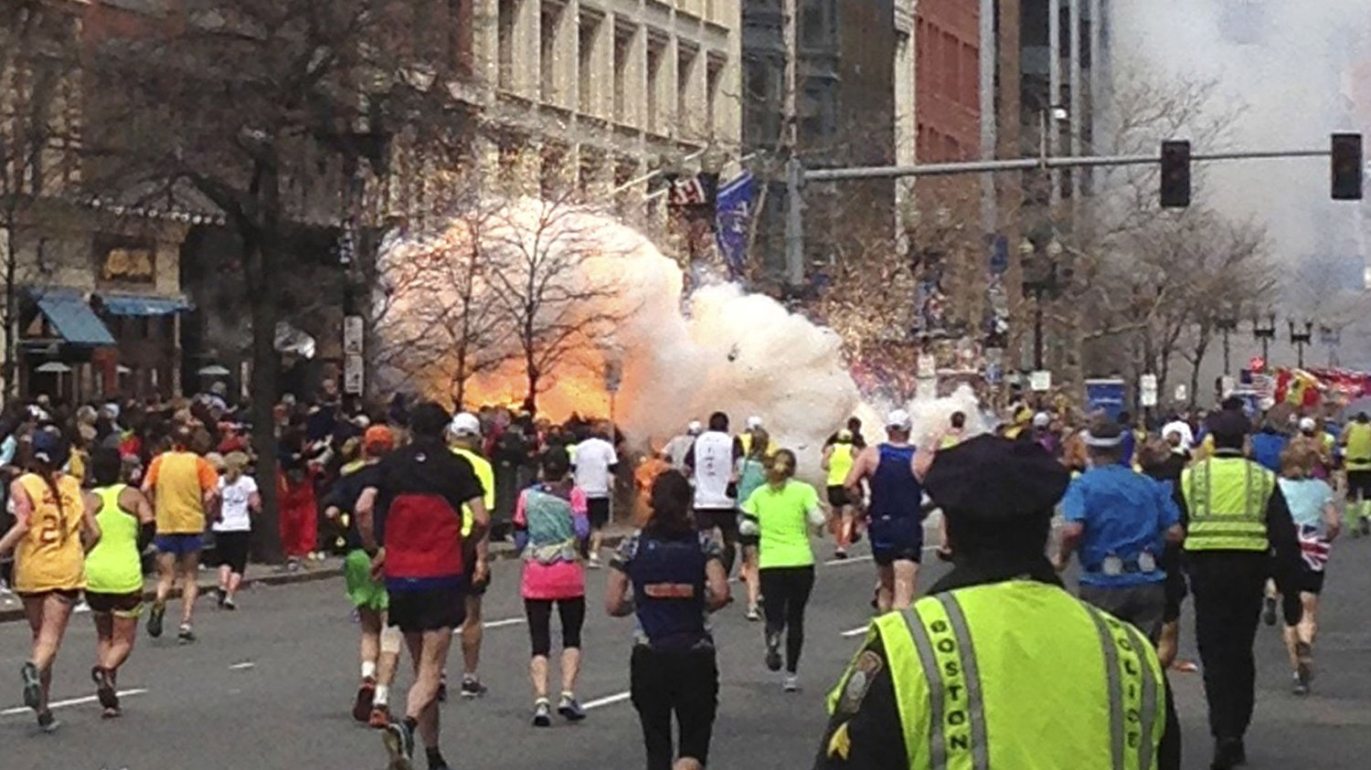SMALT: 15. april 2013 gikk en bombe av nær mållinjen under Boston Marathon.