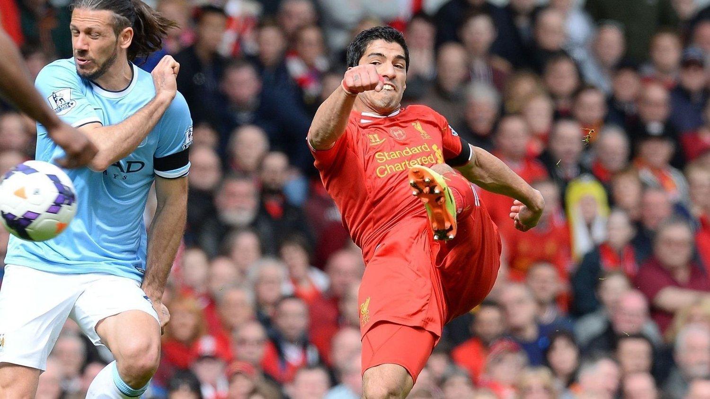 FÅR KRITIKK: Luis Suarez får kjeft fra uventet hold.