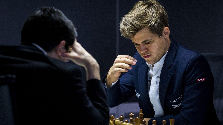 TIL OL-BYEN: Magnus Carlsen spiller sin VM-kamp i Sotsji.