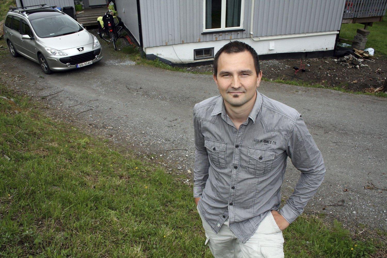 REAGERER: Christer Leon Øwre-Fjeld tar et oppgjør med norsk drikkepress på bloggen sin. Dette er fra hans eget brullyp da han også valgte å ikke nyte alkohol. Det skapte debatt blant gjestene.