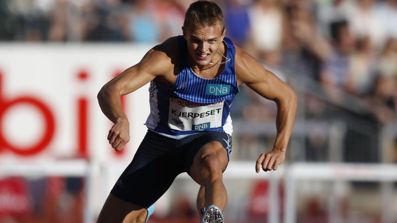 Øyvind Kjerpeset i aksjon på 400 meter hekk i Bislett Games.