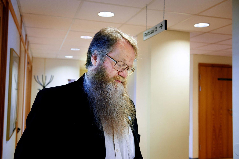 FENGSEL OG ERSTATNING: Tildligere stortingsrepresentant Inge Staldvik er dømt til fem måneders ubetinget fengsel og må betale tilbake de 630.000 kronene han har rotet bort for Nord-Trøndelag bonde- og småbrukerlag.