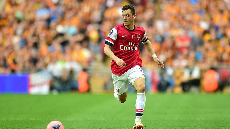 PÅ FERIE: Mesut Özil har fått ferie fram til 11. august av Arsenals manager.