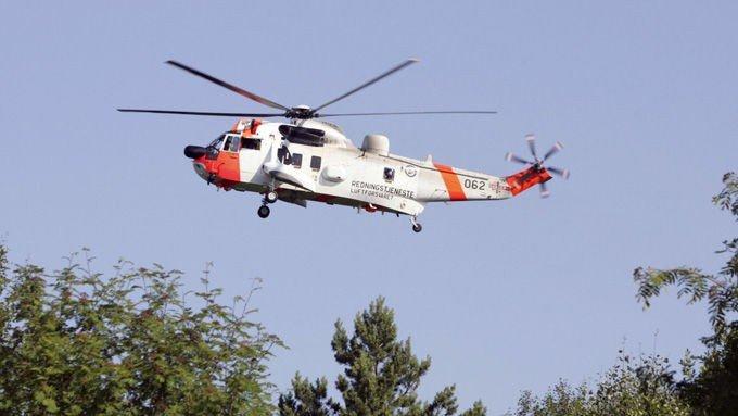 REDNINGSAKSJON: Redningsaksjonen ble satt i gang med Sea King-helikopeter på stedet. (Illustrasjonsfoto).