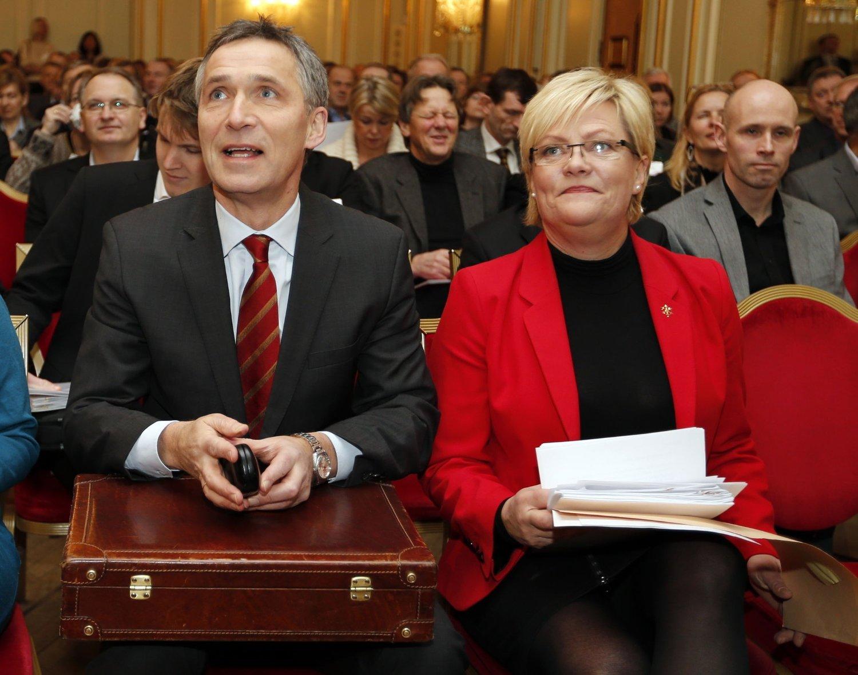BRUTT VALGLØFTE: Tidligere statsminister Jens Stoltenberg og finansminister Kristin Halvorsen (til høyre) lovet, sammen med olje- og energiminister Åslaug Haga, 12.000 nye sykehjemsplasser foran valget i 2009. Det ble med lovnaden.