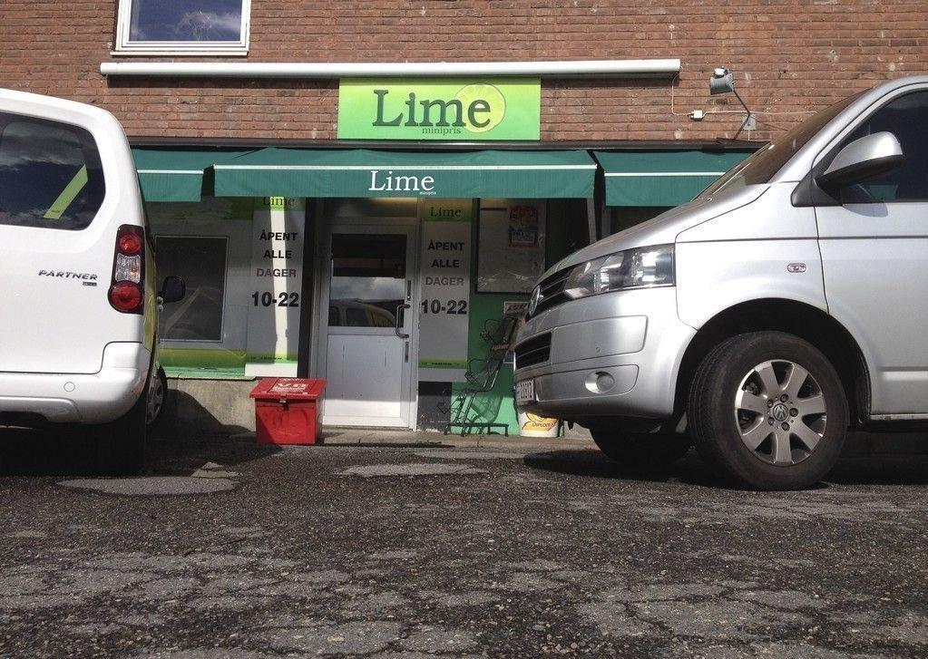 Flere Lime.butikker ble undersøkt av skattemyndigheter og politi tirsdag. Her fra butikken på Etterstad i Oslo.