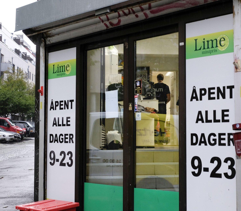 Politiet aksjonerte tirsdag mot butikker i dagligvarekjeden Lime. Her fra filialen på Tøyen i Oslo.