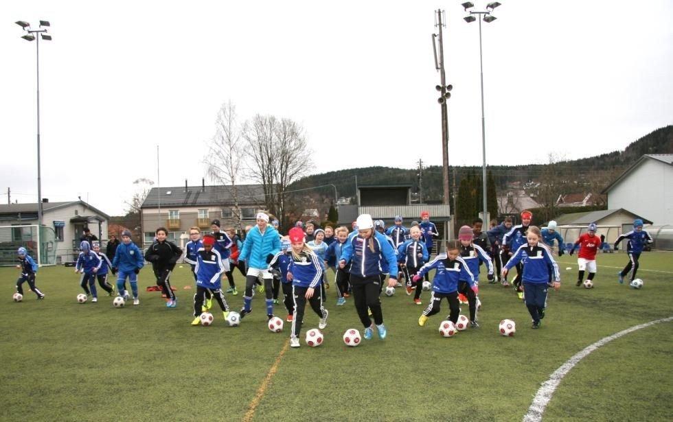 STADION: Kjelsås fotballs hovedbane, Grefsen Stadion, får etter stor innsats nå varme under det nye kunstgresset. Foto: Arkiv
