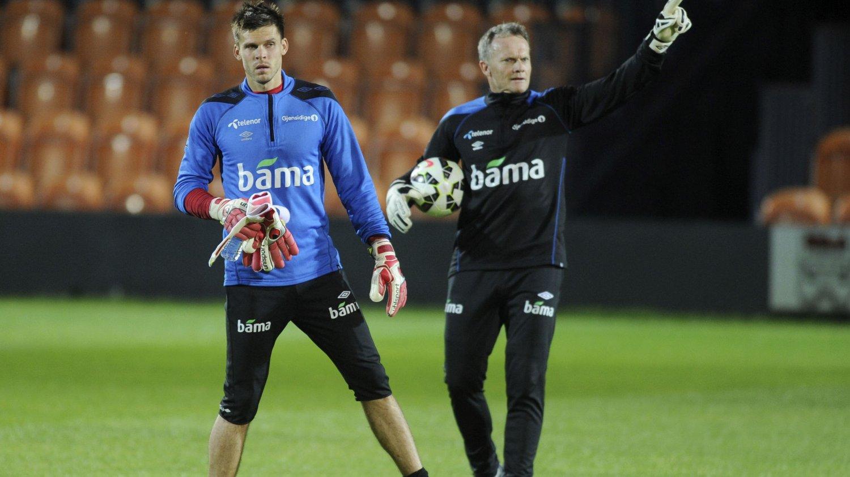 Rune Almenning Jarstein håper han har beholdt keeperplassen i Hertha under landslagspausen.