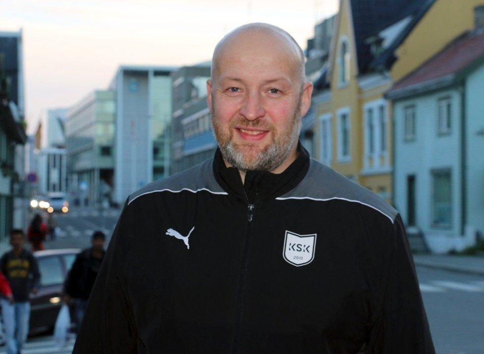 FINNER: Finner: Jon Fagertun fant en sammenbrettet 1000-lapp da han syklet hjem fra jobb. Foto: Ragnhild Gustad