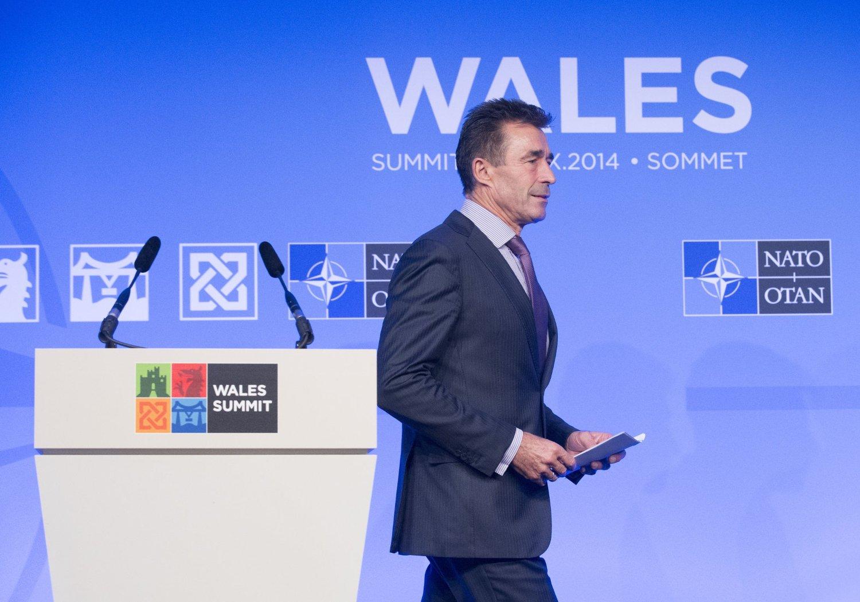 Avtroppende generalsekretær i NATO, Anders Fogh Rasmussen, møtte påtroppende NATO-sjef Jens Stoltenberg i Newport i Wales fredag.
