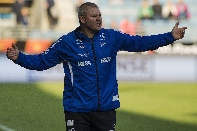KRANGLET: Mons Ivar Mjelde hyttet med neven og havnet i diskusjon med publikum.