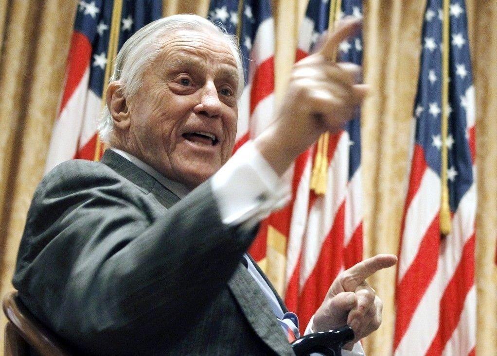 Ben Bradlee var redaktør i Washington Post da avisen avslørte Watergate-skandalen tidlig på 70-tallet. Her avbildet i april 2011.
