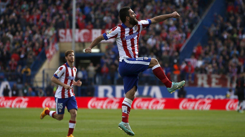 VANT: Arda Turan sikret Atlético Madrid-seier med sitt 2-0-mål søndag.