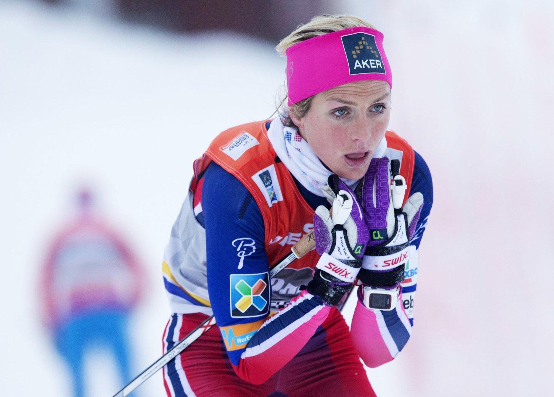 Norges Skiforbund har tatt ut 16 utøvere av hvert kjønn til helgens minitour i verdenscupen i Lillehammer.Therese Johaug er selvsagt blant de uttatte.