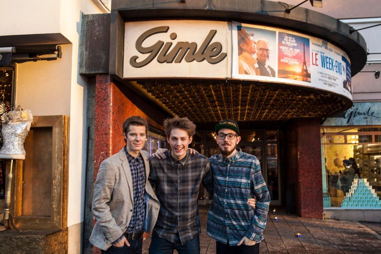 Filmskaperne Kim Erik Strøm, Thor Håkon Ulstad og Nicolas Jara Marthinsen hadde lørdag premiere på kortfilmen Tiden Er Uviss på Gimle kino.