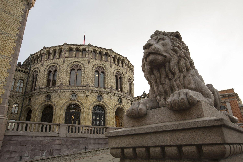 Aftenposten har kartlagt og avslørt hemmelige basestasjoner utenfor sentrale bygninger i hovedstaden, deriblant Stortinget.