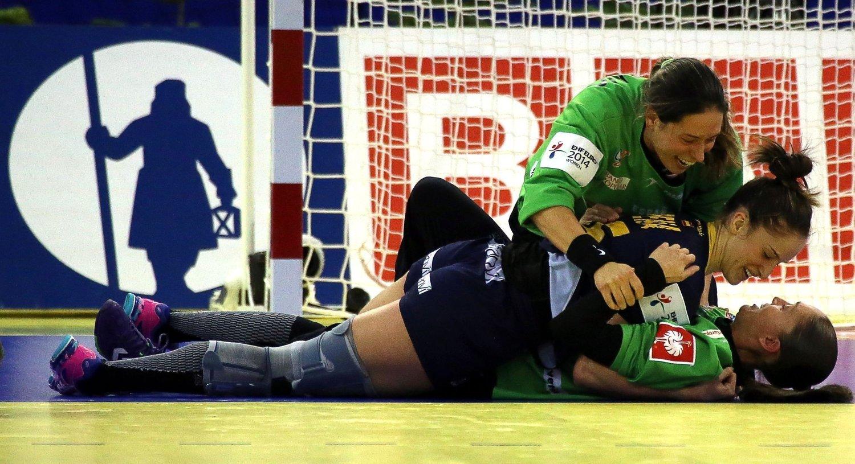 TIL FINALE: Spanias håndballjenter.