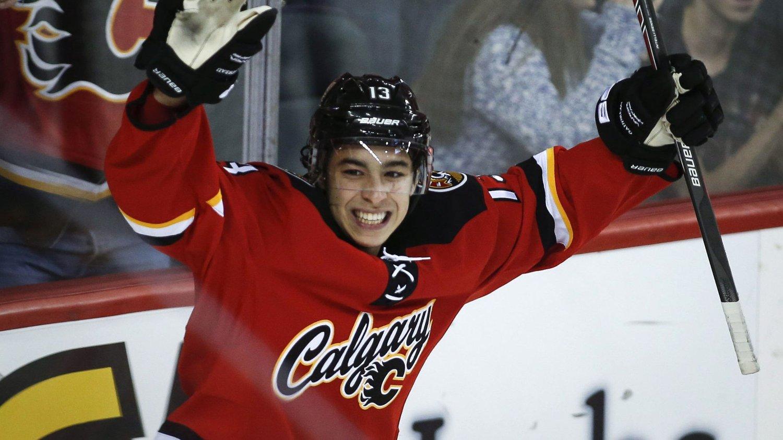 I FORM: Calgary Flames-spiller Johnny Gaudreau brukte 16 sekunder på å score to mål mot Edmonton Oilers.