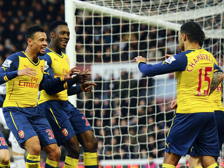 TO RASKE: Med to fulltreffer rett før pausen gjorde Arsenal nok til å klatre forbi londonrivalen West Ham i Premier League.