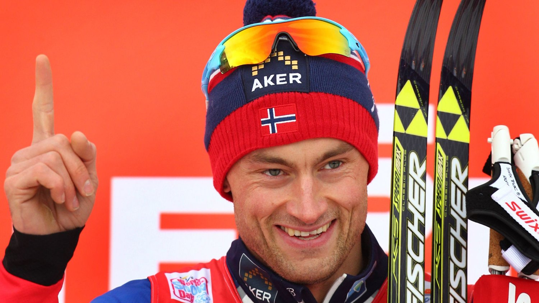 BEST: Petter Northug vant prologen sju hundredeler foran Bernhard Tritscher.