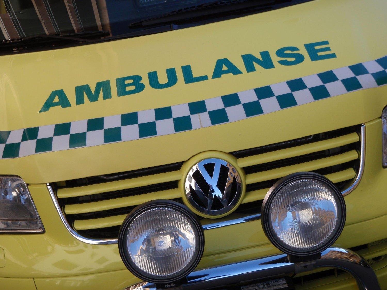 TIL SYKEHUS: Mannen fikk tirsdag kveld behandling på St. Olavs hospital.
