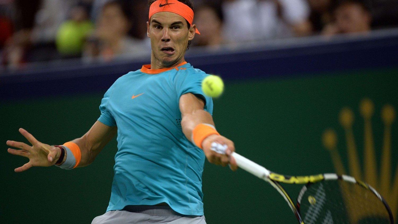 Rafael Nadal tapte sin første tenniskamp i 2015 da han gjorde comeback under ATP-turneringen i Qatar tirsdag.