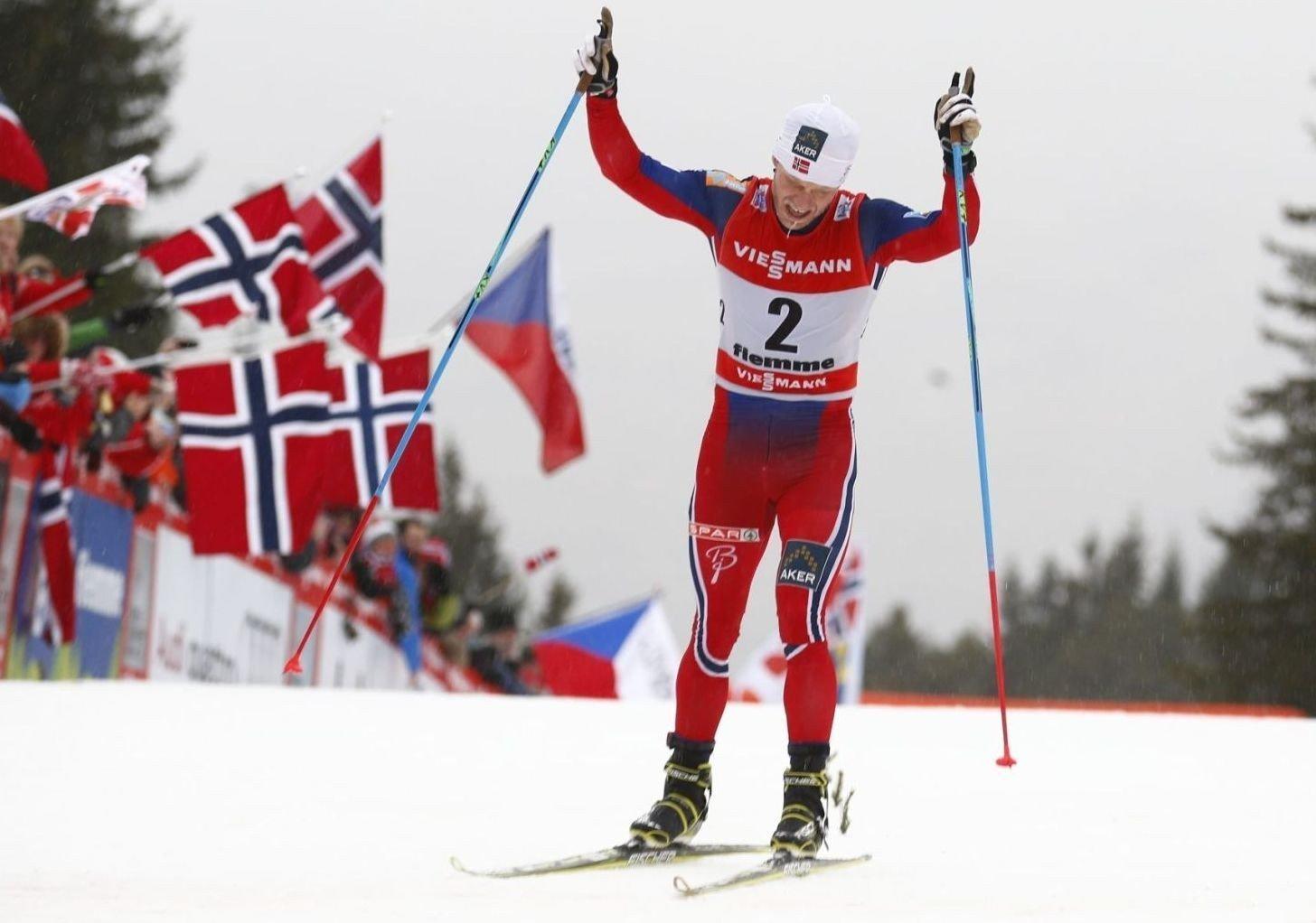 BEST: Martin Johnsrud Sundby trente beinhardt i vinter og får nå betalt.