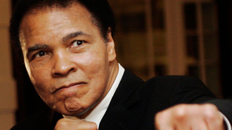 Muhammad Ali er sendt til sykehus. FOTO: NTB scanpix
