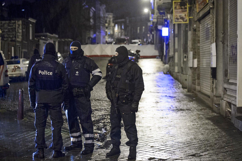 Belgisk spesialpoliti aksjonerte torsdag mot flere adresser for å hindre det myndighetene kaller et større terrorangrep. I byen Verviers ble to personer drept i skuddveksling med politiet. Foto