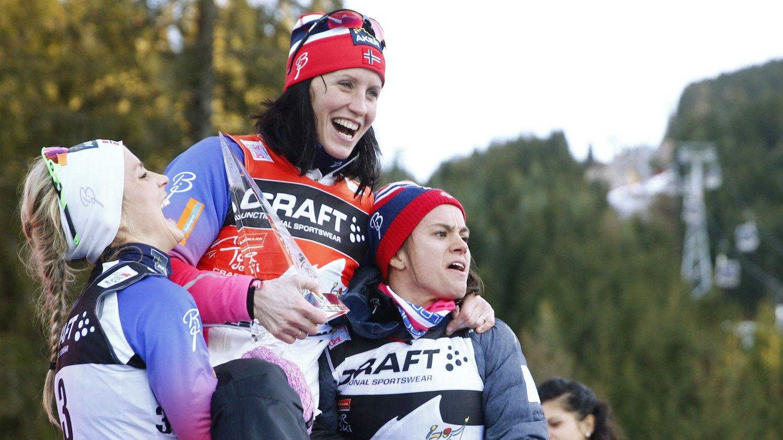 DOMINERER: Denne sesongen har Norge vært totalt overlegen andre nasjoner på kvinnesiden, ofte med Marit Bjørgen på topp, Therese Johaug på andreplass og Heidi Weng på tredjeplass, som her under Tour de Ski.