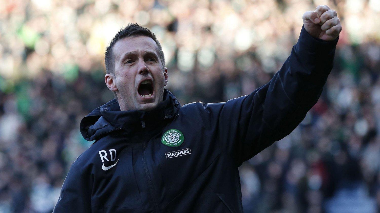 Ronny Deila feiret med Celtic-fansen etter kampen.