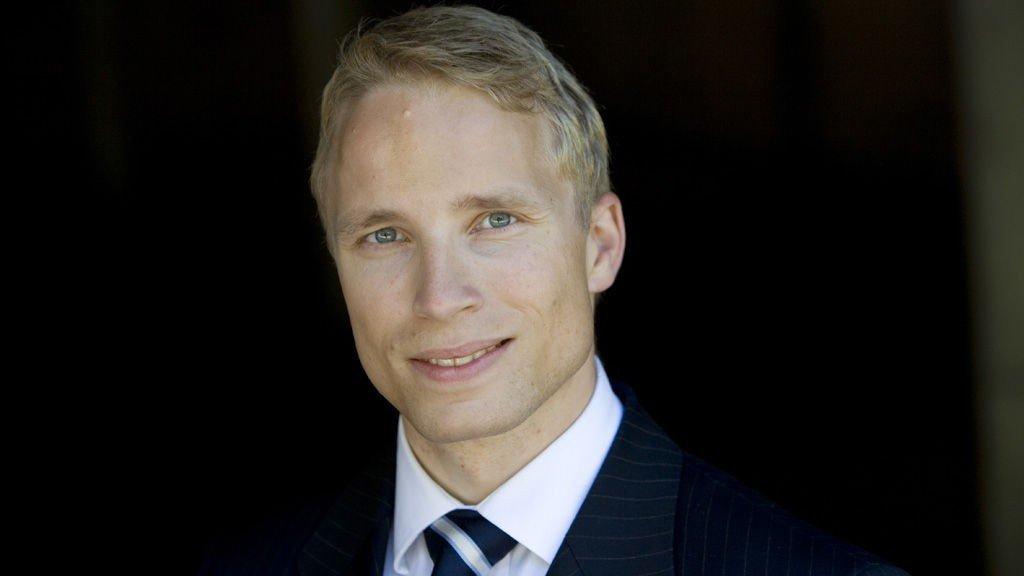 Lars Henrik Mikelsen tror man kan få se negative norske renter. Det vil i så fall være første gang.