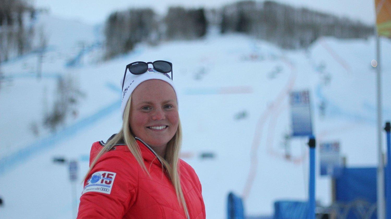 I VM-BAKKEN: Lisa Christine Blunck Moe, her foran bakken hvor lagkonkurransen i alpin-VM ble gjennomført.