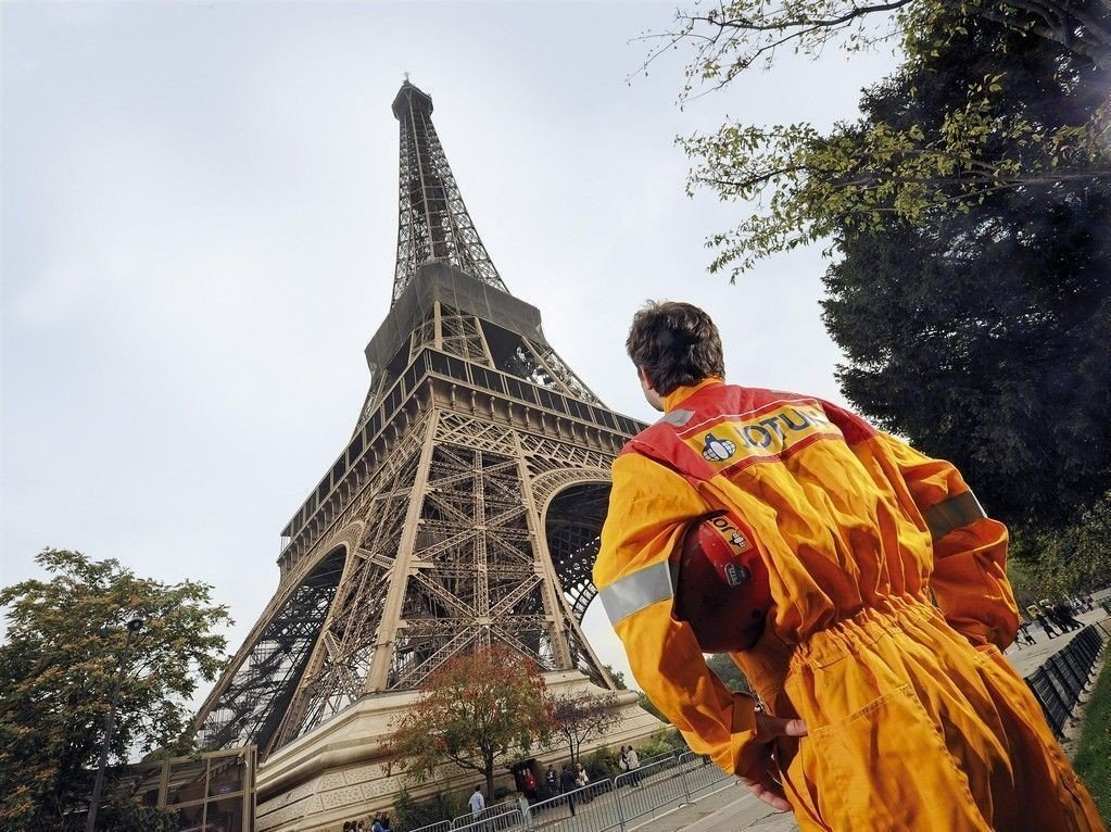 Malingsprodukter fra Jotun bevarer og pynter bygninger, hus, interiør og skip over hele verden. Et eksempel: Eiffeltårnet i Paris.