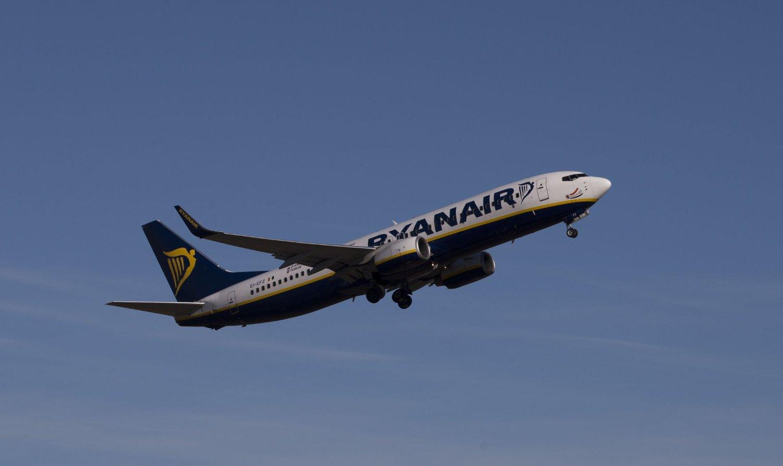 MÅTTE MELLOMLANDE: Et Ryanair-fly måtte foreta en uforutsett mellomlanding i Danmark (illustrasjonsfoto).