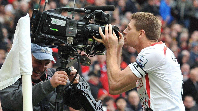 TV-INNTEKTER: Salg av TV-rettigheter gir voldsomme inntekter for Premier League.