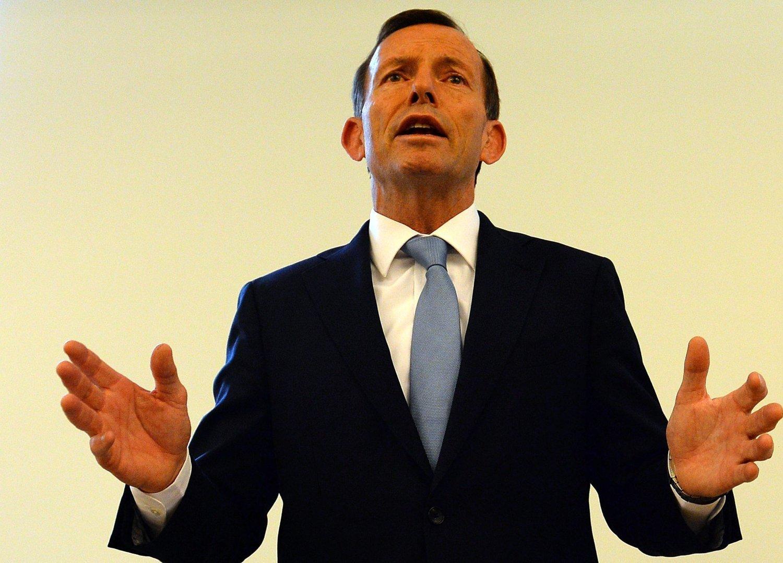 LA FRAM RAPPORT: I dagene før, mellom 9. og 12. desember, ble australske sikkerhetsmyndigheter oppringt av publikum 18 ganger, ifølge rapporten som statsminister Tony Abbott offentliggjorde søndag.